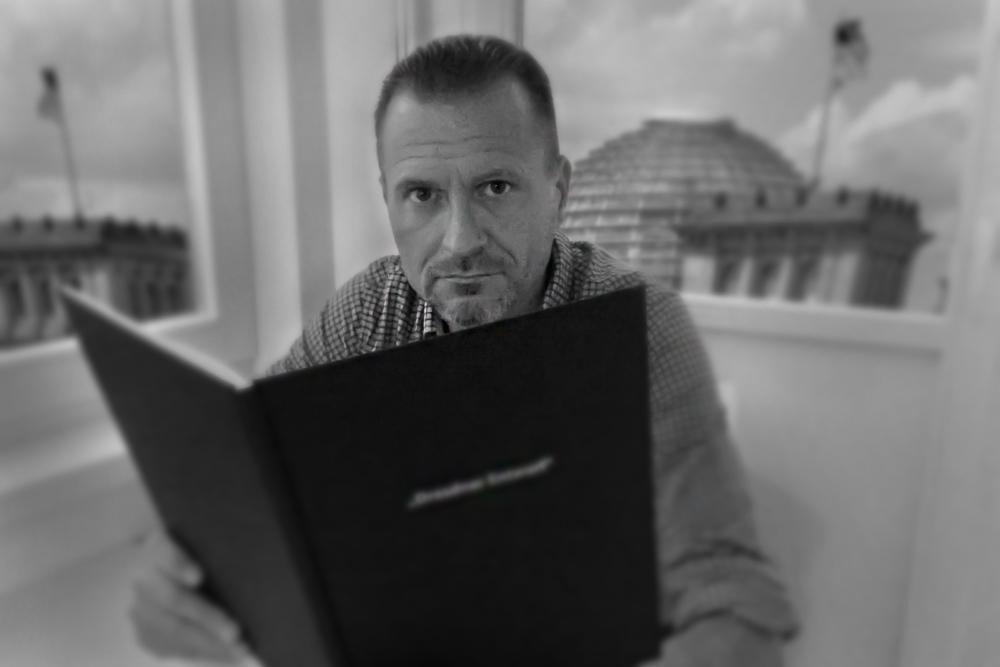 Dresdner Entwurf zum Petitionsausschuss (Pet 1-18-06-1115-017651) - dialog-2015
